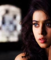 actress-actress-poorna-latest-hot-photos-36