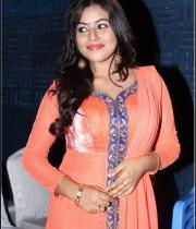 actress-poorna-latest-photos-11