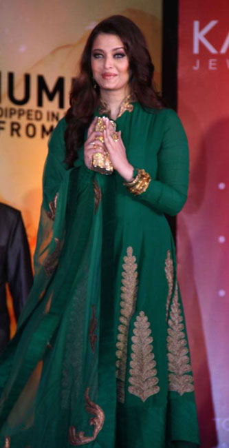 aishwaraya-rai-kalyan-jewellers-store-launch-photos-08
