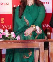 aishwaraya-rai-kalyan-jewellers-store-launch-photos-05