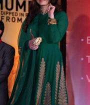 aishwaraya-rai-kalyan-jewellers-store-launch-photos-09