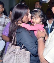 aiswarya-rai-daughter-aaradhya-stills-13