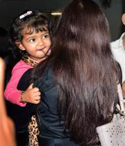 aiswarya-rai-daughter-aaradhya-stills-16