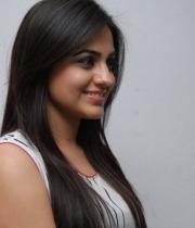 aksha-pardasany-latest-stills-10