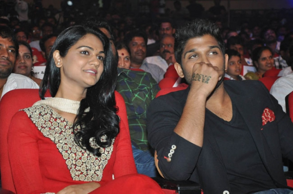 allu-arjun-iddarammayilatho-audio-launch-stills-03