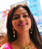 amala-paul-hot-in-saree-1