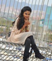 amala-paul-latest-photos-in-jeans-10