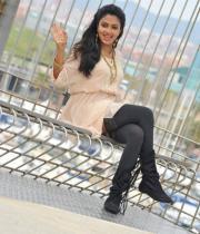 amala-paul-latest-photos-in-jeans-19