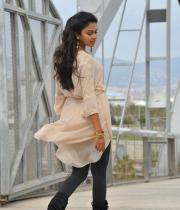 amala-paul-latest-photos-in-jeans-23