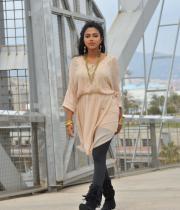 amala-paul-latest-photos-in-jeans-27