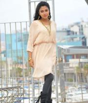amala-paul-latest-photos-in-jeans-4