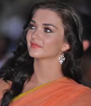amy-jackson-hot-stills-in-transparant-saree-10