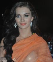 amy-jackson-hot-stills-in-transparant-saree-2