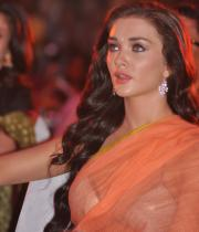 amy-jackson-hot-stills-in-transparant-saree-7