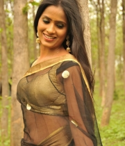 612_1_anchor-prashanthi-hot-transparent-saree-photos-1