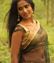 612_3_anchor-prashanthi-hot-transparent-saree-photos-3