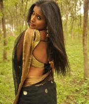 612_8_anchor-prashanthi-hot-transparent-saree-photos-8