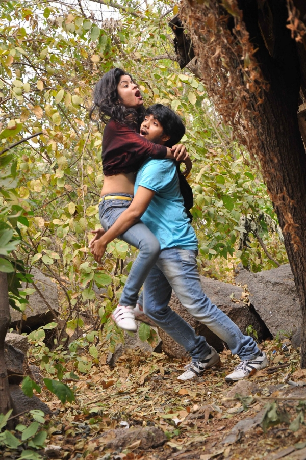 anukunnadi-okati-ayyindi-okati-movie-stills-9