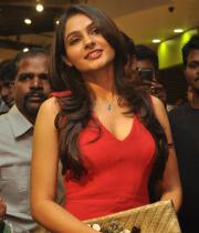 andrea-jeremiah-hot-images-in-red-dress-04