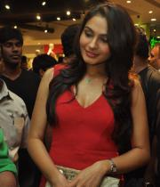 andrea-jeremiah-hot-images-in-red-dress-07
