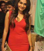 andrea-jeremiah-hot-images-in-red-dress-13