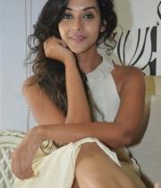 anu-priya-at-potugadu-movie-press-meet-11
