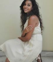anu-priya-at-potugadu-movie-press-meet-18