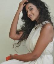 anu-priya-at-potugadu-movie-press-meet-2