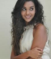 anu-priya-at-potugadu-movie-press-meet-3
