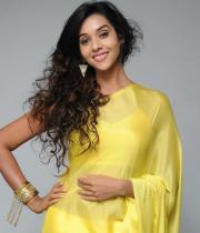 anu-priya-saree-stills-at-potugadu-audio-launch-17
