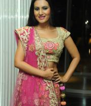 actress-anu-smruthi-hot-stills-13