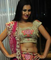 actress-anu-smruthi-hot-stills-14