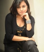 anusha-new-photo-stills-21