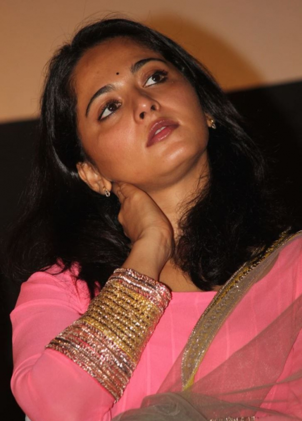 anushka-photos-at-varna-audio-launch-16