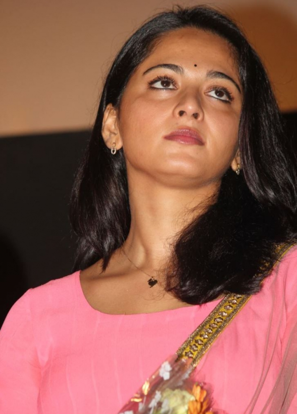 anushka-photos-at-varna-audio-launch-2