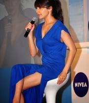 anushka-sharma-latest-hot-photos-at-nivea-1