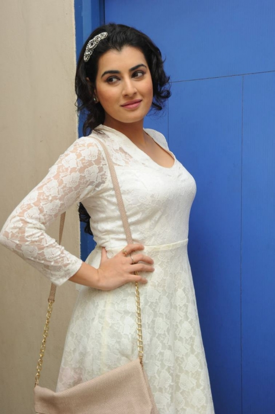 archana-at-kamaltho-naa-prayanam-trailer-launch-18