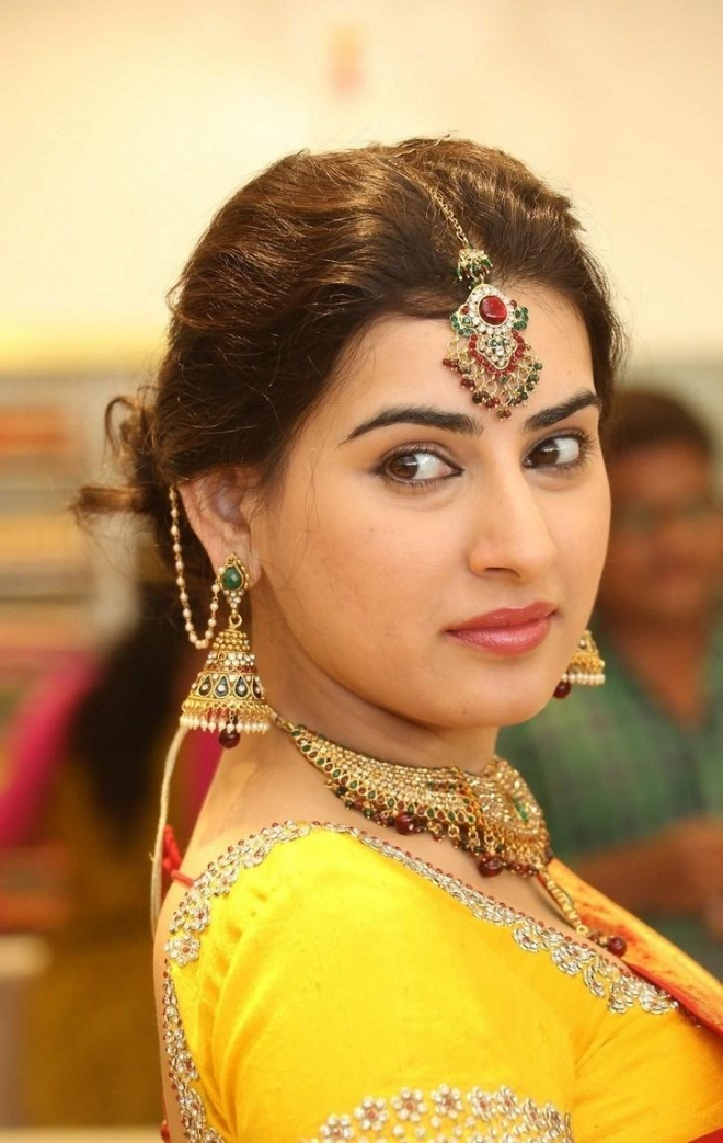 archana-beautiful-saree-photos1