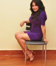 asha-saini-hot-thighs-show-stills-04