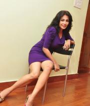 asha-saini-hot-thighs-show-stills-09
