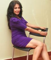 asha-saini-hot-thighs-show-stills-11