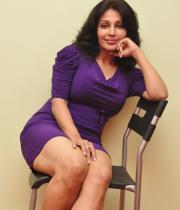 asha-saini-hot-thighs-show-stills-13