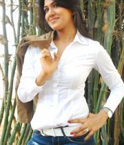 asmita-hot-photo-shoot-photos-in-jeans-02