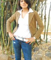asmita-hot-photo-shoot-photos-in-jeans-08