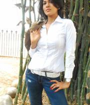 asmita-hot-photo-shoot-photos-in-jeans-14