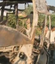 jabbar-travles-bus-accident-pics