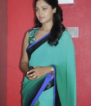 bindhu-madhavi-latest-photos-16