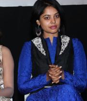 actres-bindu-madhav-blue-salwar-kameez-photostills-07_s_205