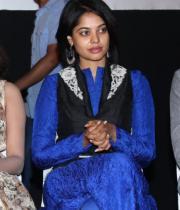actres-bindu-madhav-blue-salwar-kameez-photostills-11_s_117