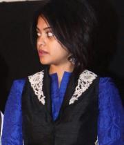 actres-bindu-madhav-blue-salwar-kameez-photostills-16_s_124